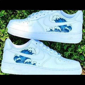 Air Force One Nike Shoes with Wave Decal 🌊